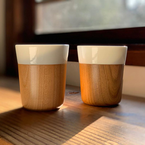 日本の天然木のやさしさと、磁器の繊細さを融合させた、今までにないカップ