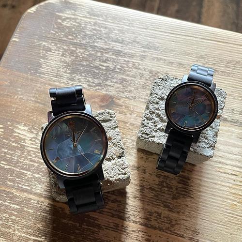 木製腕時計のEINBAND(アインバンド)より、初回限定販売の「Reise Mother of pearl & Ebony wood」が届きました。