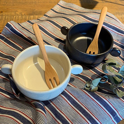 一人一人のグラタン皿にピッタリなサイズのオレイユ。耐熱陶器なので、オーブンはもちろん直火もOKなので、アヒージョにも使えます。